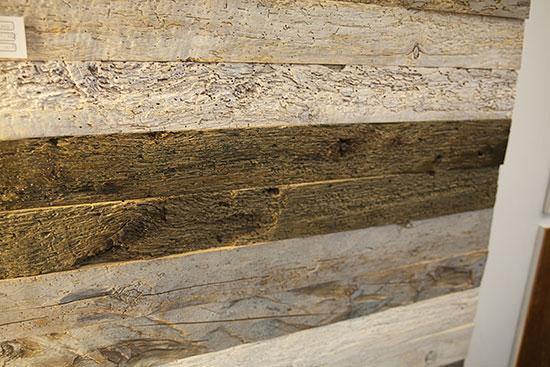Отделка стен винтажной древесиной